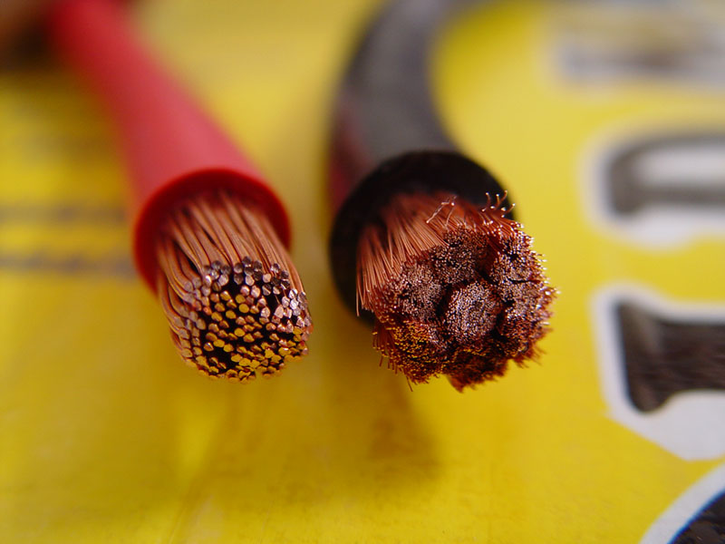 Comparing high stranded power cable with a low strand count cable